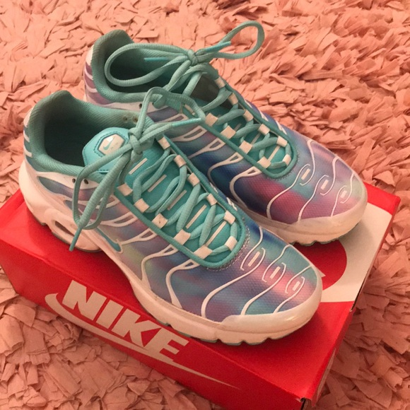 aqua nike air max plus womens